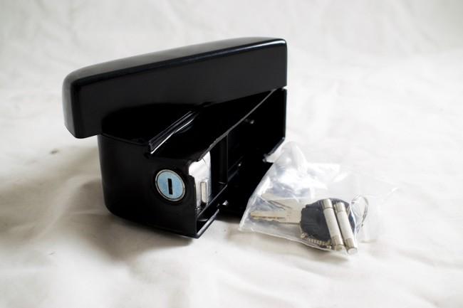 Låda till kontrollbox m lås passar 2012-13